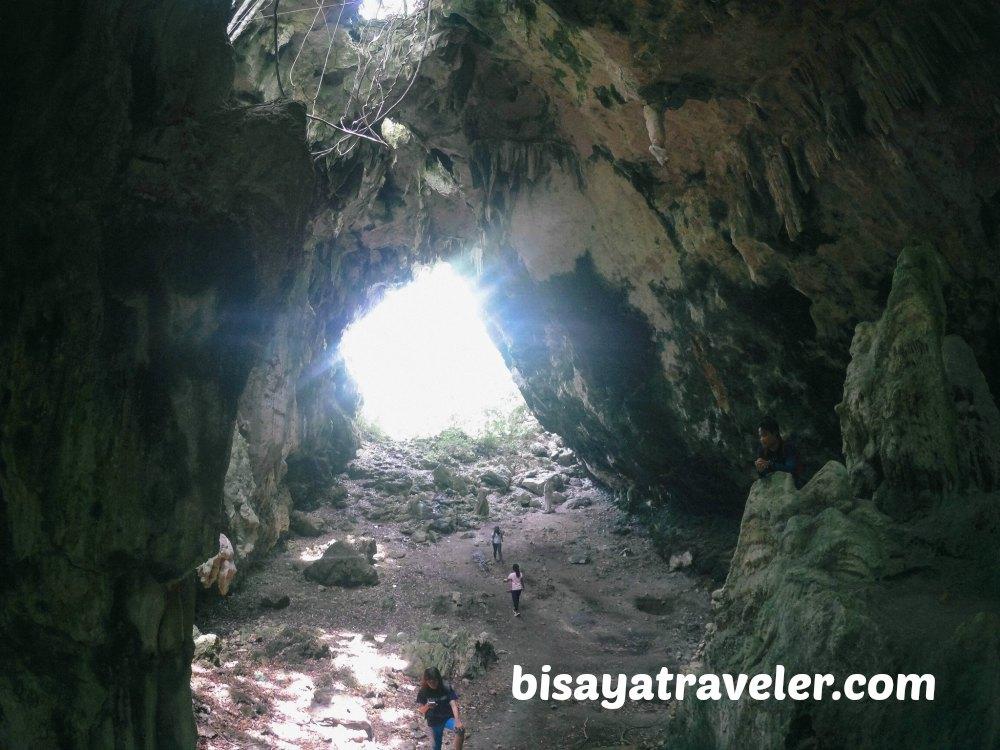 Laposlapos Cave: Venturing Into Carcar's Magnificent Caverns