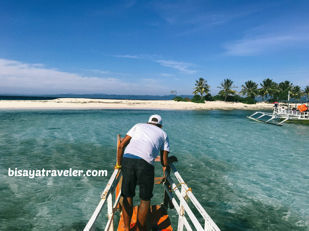 Britania Islands, Surigao: Resisting The Tempting Shades Of Blue